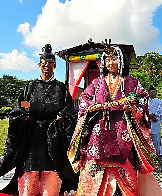世界遺産の京都・二条城で行われた初の結婚式=2009年