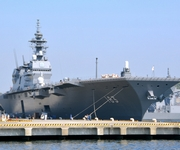 初の米艦防護へ「いずも」出港 四国沖まで補給艦と航行