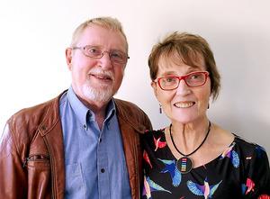 クリスティーン・ブライデンさん(右)と夫のポールさん
