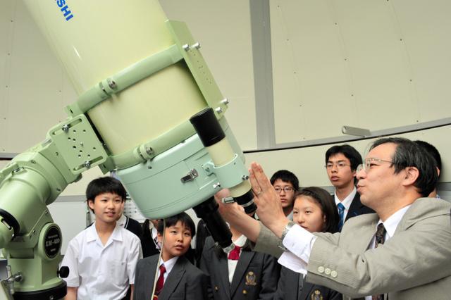 新設された天体観測所の内部=中部大