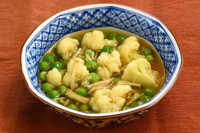 エンドウ豆とカリフラワーの葛とじ