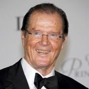 ロジャー・ムーアさん死去 「007」でボンド役