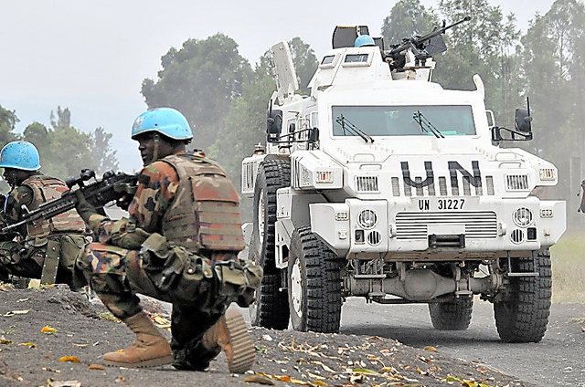 コンゴ民主共和国で展開するPKOの戦闘部隊。武装勢力を攻撃して無力化する役割を担う=2015年8月、同国東部サケ、金成隆一撮影