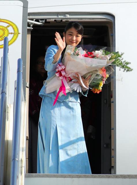 ブータン訪問を終え、パロ国際空港を出発する眞子さま=7日、代表撮影