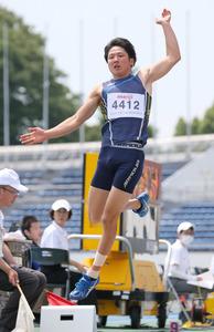 パラスノーボードの成田緑夢、走り幅跳びでも2位
