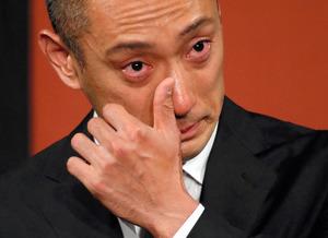 麻央さんが息を引き取る瞬間そばに 海老蔵さん会見詳報