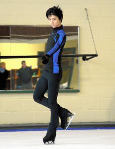 カナダ・トロントの所属クラブで練習を公開した羽生結弦。今季のフリー「陰陽師」