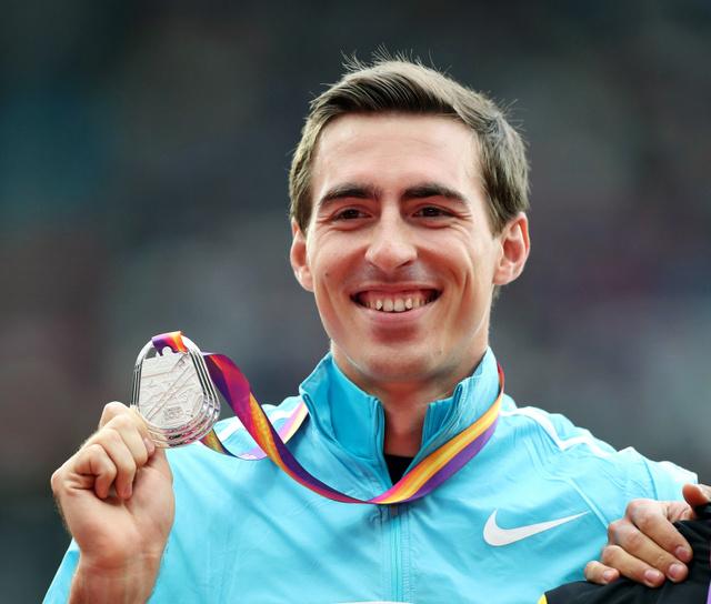 男子110メートル障害で銀メダルのシュベンコフ=池田良撮影