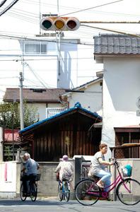 大阪・吹田で2万軒が停電 一部で信号機も消える
