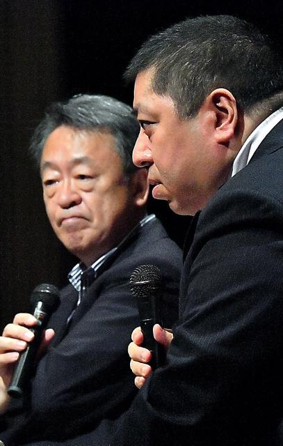 対談する池上彰さんと佐藤優さん=19日、東京都千代田区