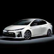 トヨタ、新ブランド「GR」 プリウスをスポーツ仕様に