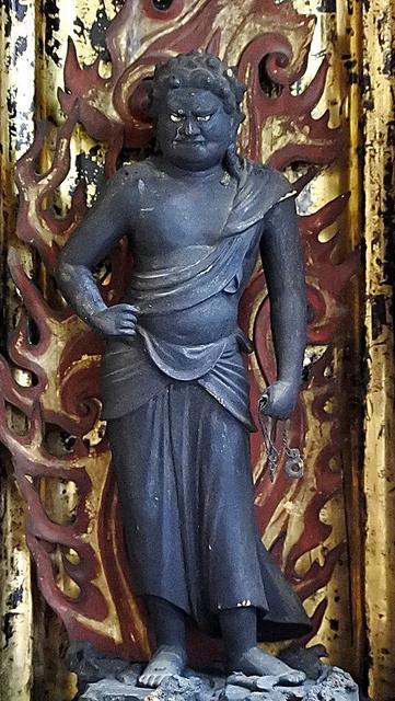 仏法紹隆寺の不動明王立像。顔や体つきは確かに「運慶ふう」だ=長野県諏訪市