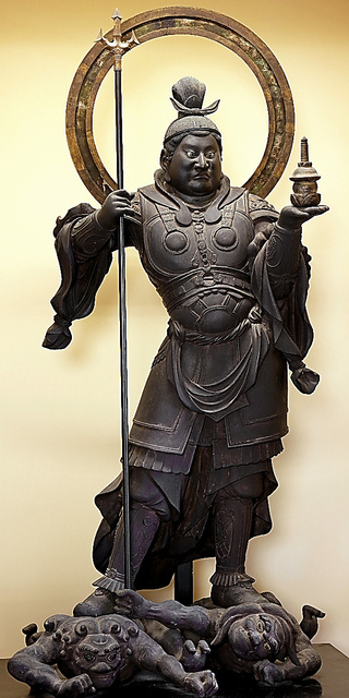 願成就院の国宝・毘沙門天立像