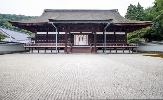 泉涌寺の霊明殿=京都市東山区、佐藤慈子撮影