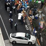 車が歩行者はねて7人けが 85歳容疑者逮捕 吉祥寺