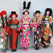 箏や三味線の魅力知って 邦楽演奏家がアイドルグループ