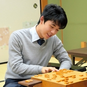 藤井聡太四段、通算50勝 羽生棋聖の記録上回る