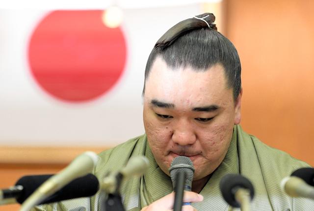 横綱日馬富士、引退