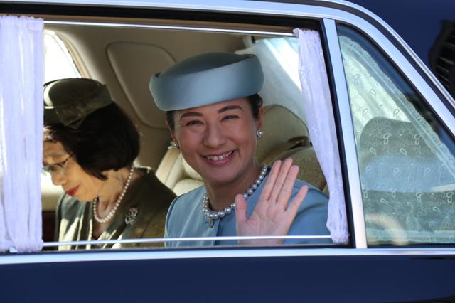 誕生日のあいさつのため皇居に入る皇太子妃雅子さま=9日午前10時53分、皇居・半蔵門、葛谷晋吾撮影