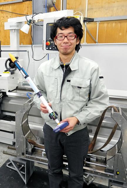 インターステラ社でロケット開発に携わる金井竜一朗さん=北海道大樹町