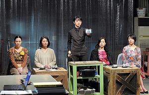 「監獄のお姫さま」より。左から坂井真紀、小泉今日子、満島ひかり、森下愛子、菅野美穂