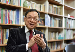 すずき・たかお 桜美林大老年学総合研究所長。東京都老人総合研究所副所長、国立長寿医療研究センター研究所長などを歴任。専門は老年病の疫学