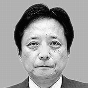 政治社説担当・坪井ゆづる