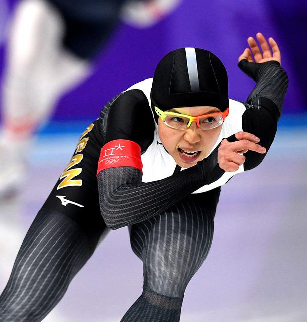 女子1000メートルで滑走する小平奈緒=いずれも白井伸洋撮影