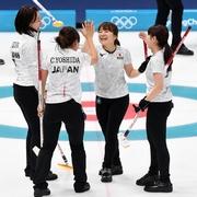 カーリング日本女子、開幕3連勝 韓国を破る