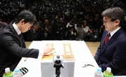 藤井―羽生戦、注目の初手を360度動画で 朝日杯将棋