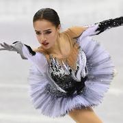 15歳ザギトワ世界最高で首位、メドベ2位 女子SP