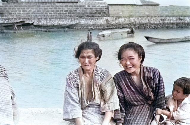 美ら島 よみがえる色彩 沖縄戦前写真をaiでカラー化 沖縄 朝日