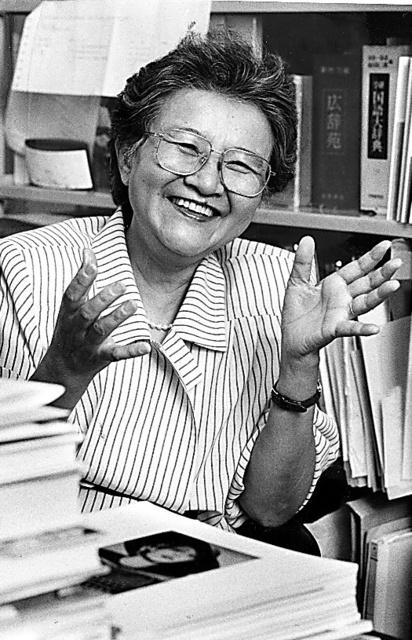 須賀敦子さん。1991年、「ミラノ 霧の風景」で女流文学賞を受賞したころ