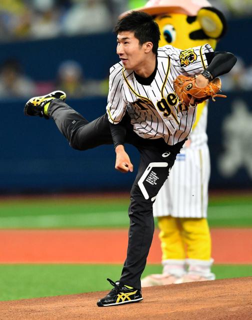 桐生祥秀、始球式の背番号998断...