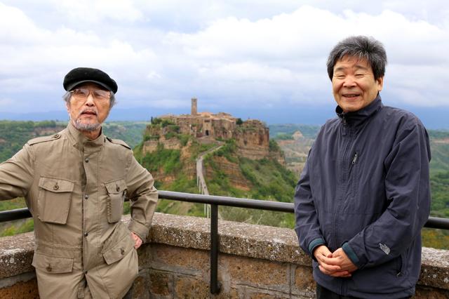 2014年、講演でイタリアに招かれた高畑勲監督(右)と小田部羊一さん(アニドウ提供)