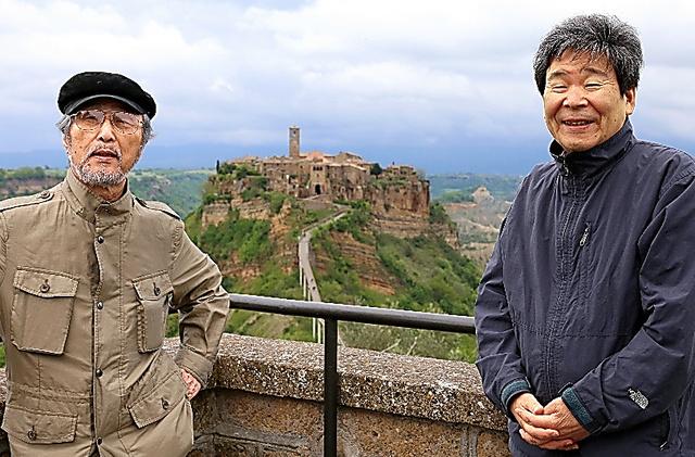 2014年、講演でイタリアに招かれた高畑勲監督(右)と小田部羊一さん=アニドウ提供