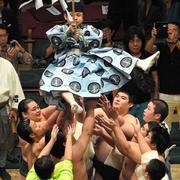学者も「よく分からない」 大相撲の女人禁制、起源とは