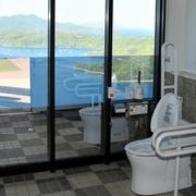 爽快?落ち着かない?絶景トイレ 「眺望日本一」めざす