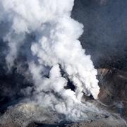 霧島連山の硫黄山、250年ぶり噴火 警戒レベル3に
