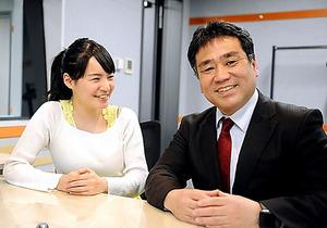 「はじめてのかぶしき」の藤本誠之さん(右)と飯村美樹さん