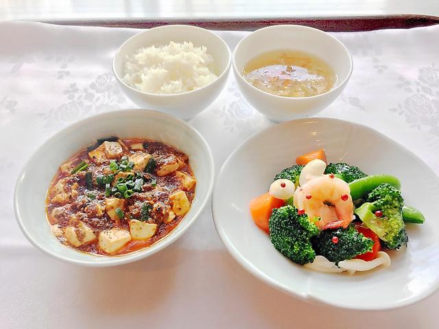 「四川豆花飯荘」で提供している「しっかり」基準を満たした麻婆豆腐のバランスランチセット