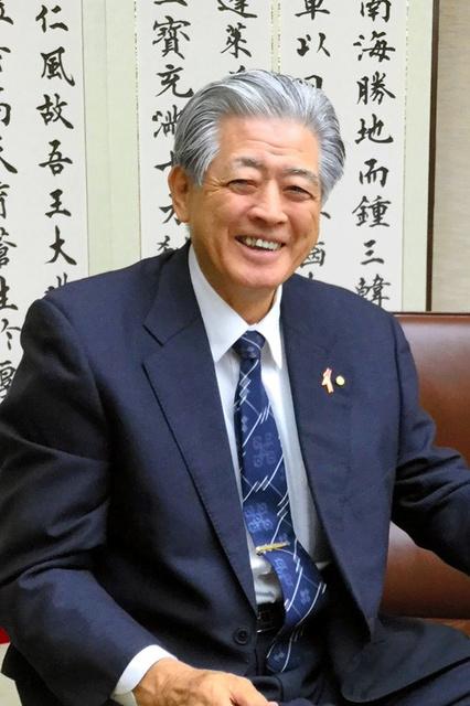 沖縄銀行元頭取の安里昌利氏
