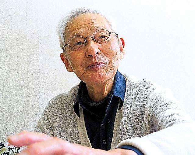 インタビューに応じる佼成学園元監督の今西錬太郎さん=4月22日、東京都内の自宅で