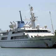 フセイン元大統領の船、ホテル転身 33億円売却ならず