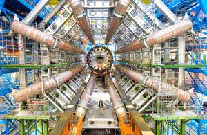 日本チームが参加しているLHCの検出器ATLAS(CERN提供)
