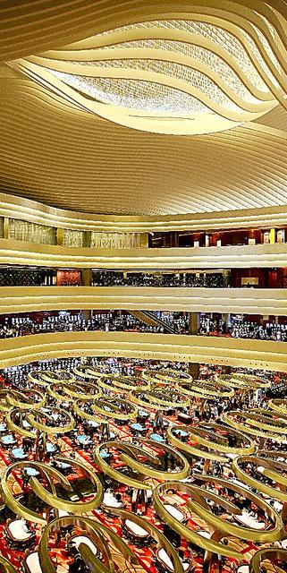 2010年に開業したシンガポールのマリーナ・ベイ・サンズのカジノ=マリーナ・ベイ・サンズ提供