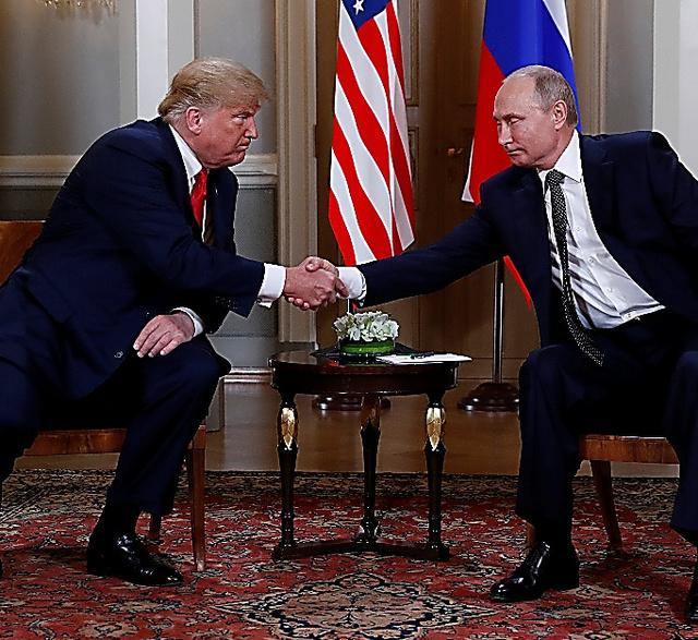 米国では、トランプ大統領自身がプーチン・ロシア大統領による「積極工作」の標的になったのではという懸念が広がっている=ロイター