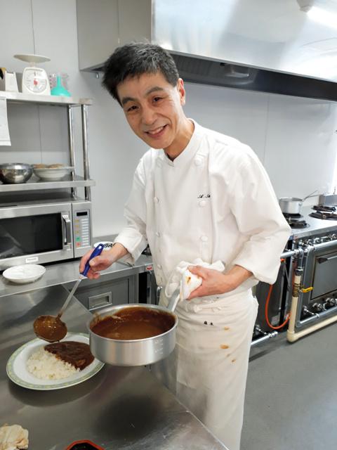 レストラン「こぐま亭」の麻木昭仁シェフ