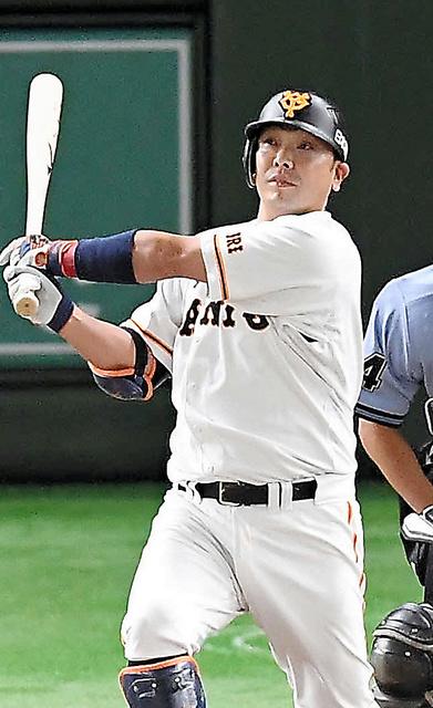 一回裏巨人2死二、三塁、阿部は先制の3点本塁打を放つ=日刊スポーツ