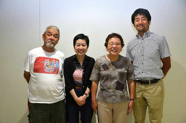発起人の福島龍三郎さん(右から)、森きみ子さん、重松恵梨子さん、大歯雄司さん=2018年8月10日、佐賀市白山2丁目